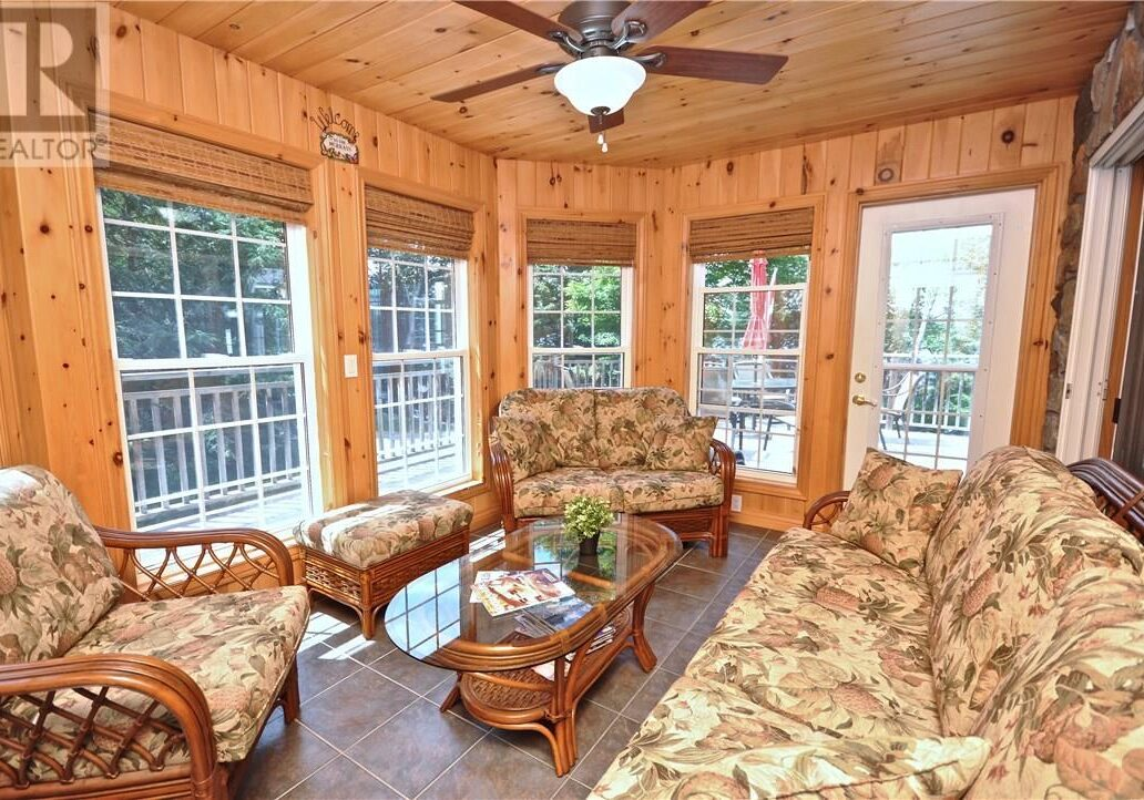 Cottage for Sale in Kearney Muskoka Room